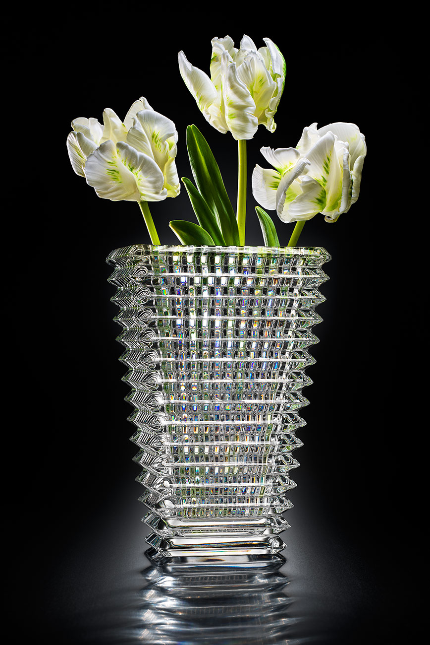Vase_WhiteFlowers_M1